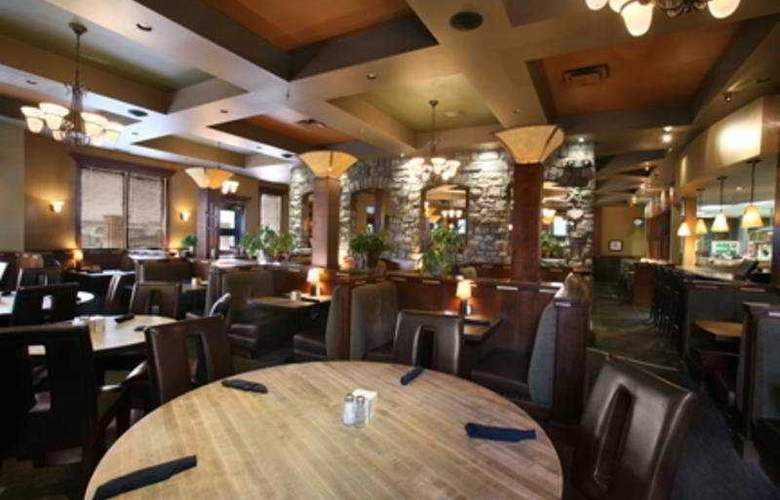 Sandman Hotel Red Deer - Restaurant - 4