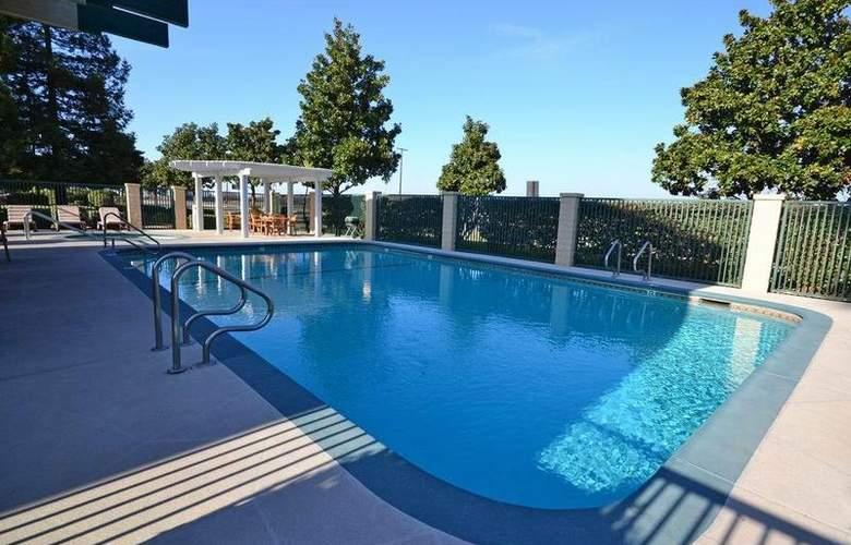 Best Western Plus Orchard Inn - Pool - 47