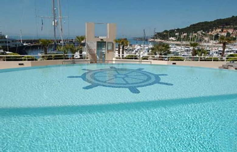 Residence le Quai des Princes - Pool - 7