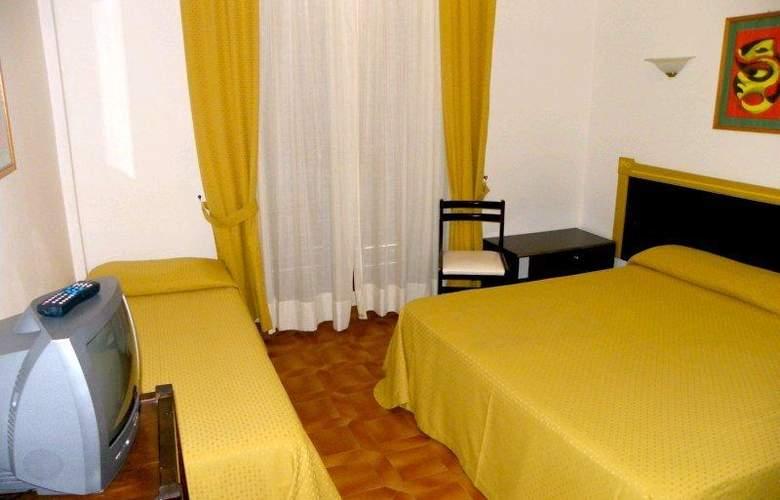 La Playa - Room - 6