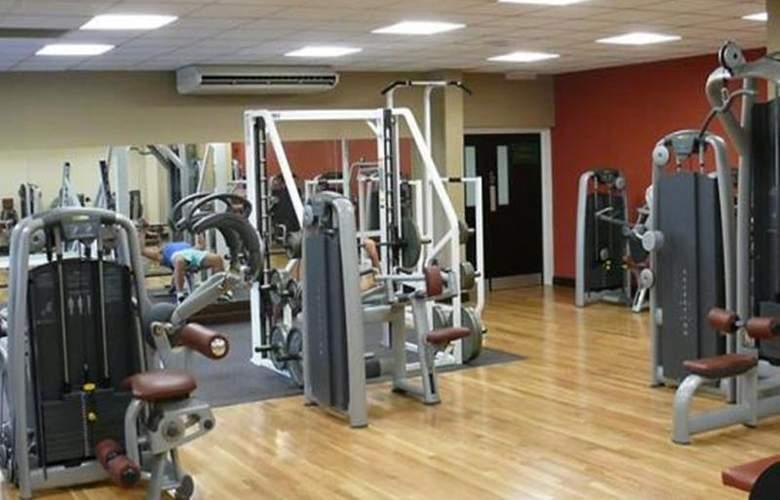Marriott Tudor Park Hotel & Country Club - Sport - 18