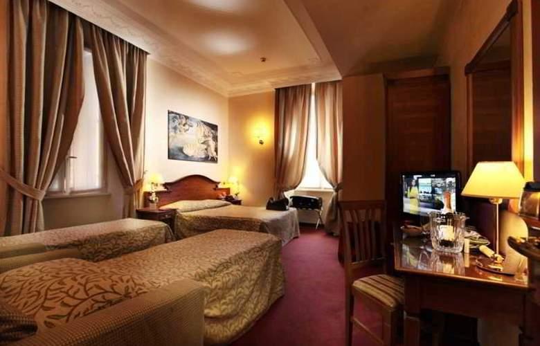 Solis - Room - 10