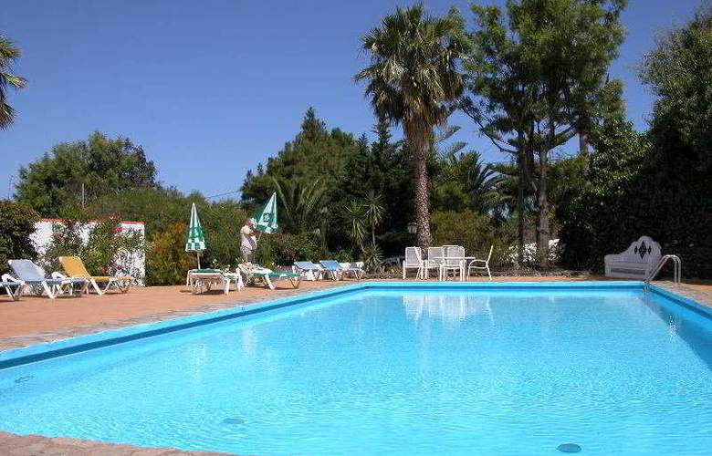 Apartamentos Miranda - Pool - 6