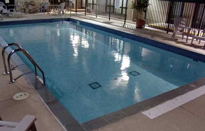 Hampton Inn by Hilton Toronto Mississauga - Hotel - 8