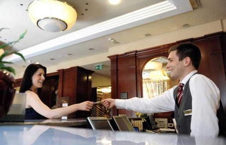Best Western Premier Astoria - Hotel - 22