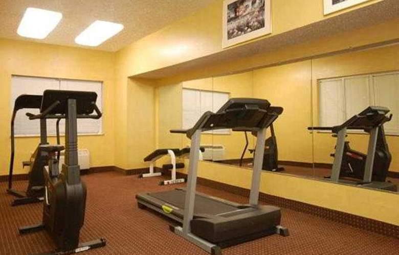 Comfort Suites North/Galleria - Sport - 11