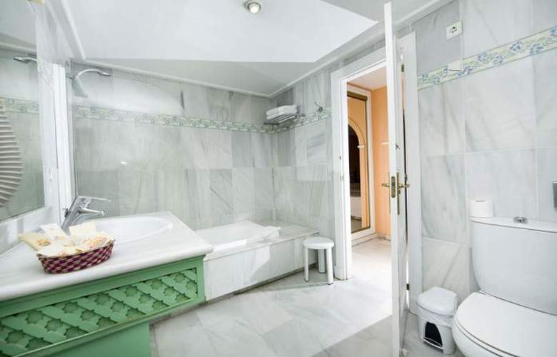 Monarque Sultan Aparthotel - Room - 21