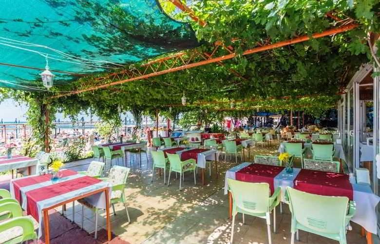 Heavens Beach Apart - Restaurant - 12