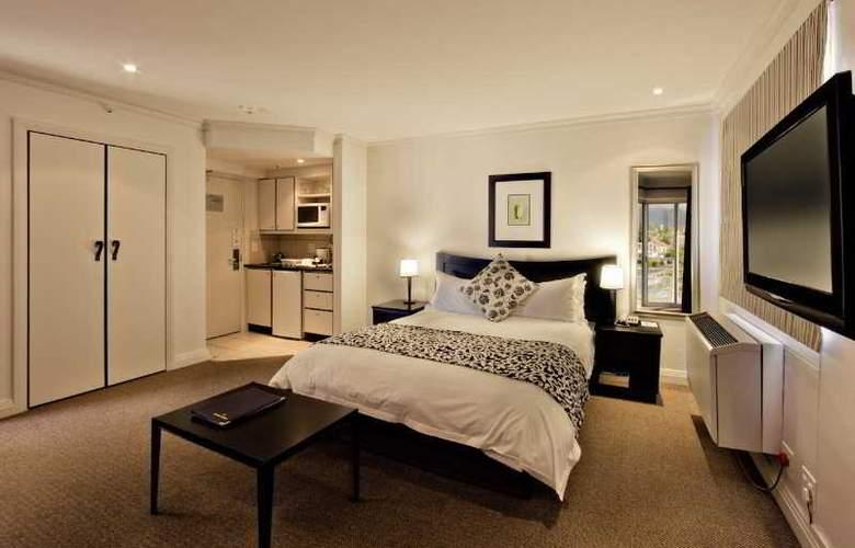 Protea Cape Castle - Room - 0