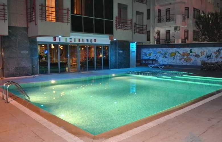 Lara Park - Pool - 6