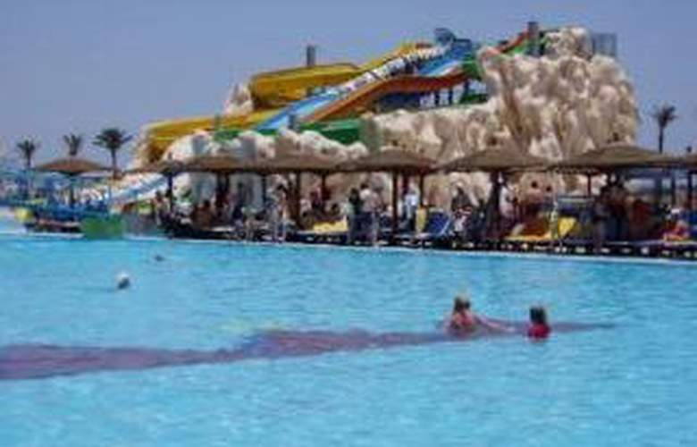 Golden 5 Almas Resort - Pool - 3