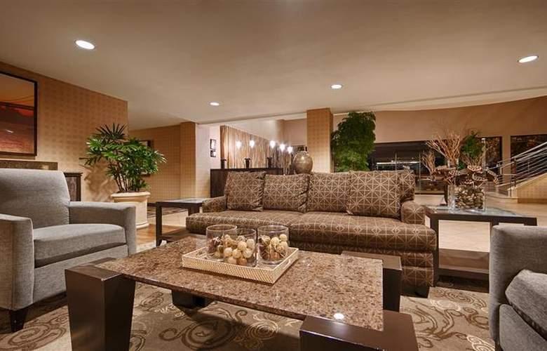 Best Western Plus Bayside Hotel - General - 23