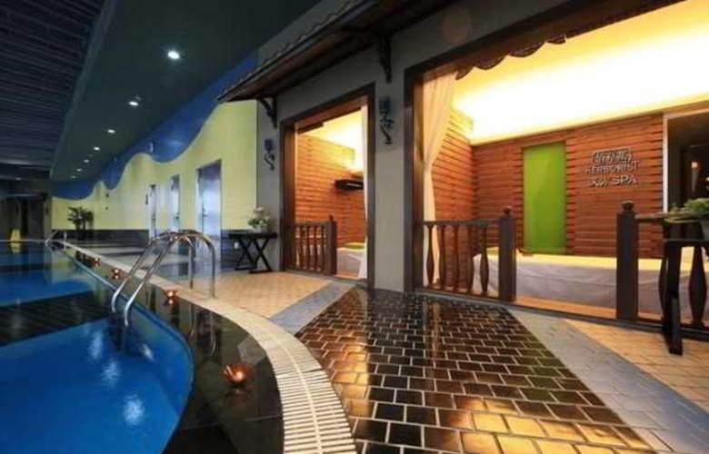 Fraser Residence - Pool - 14