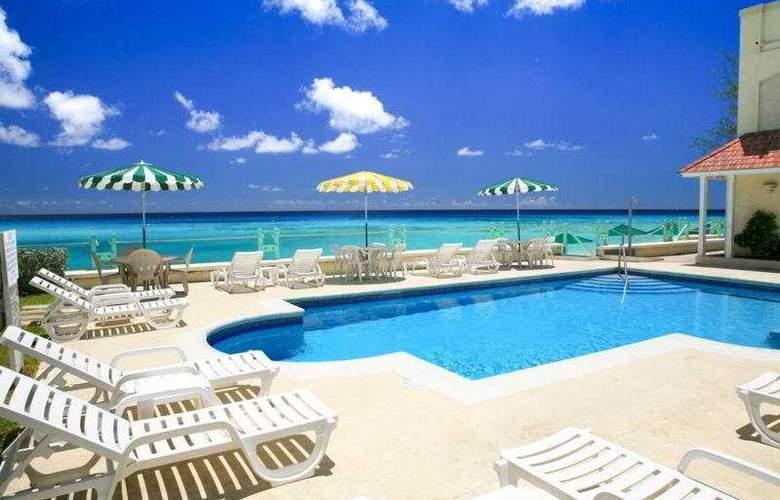 Coral Mist Beach Hotel - Pool - 3