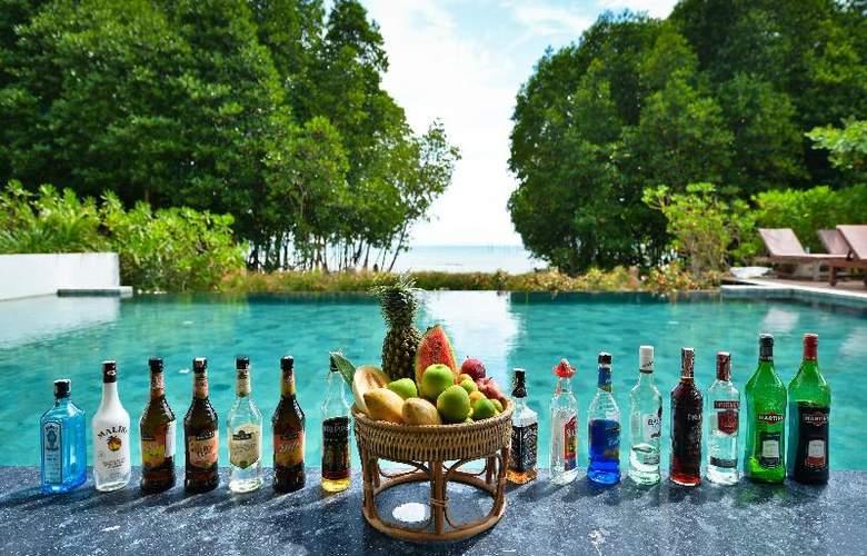 Bhu Nga Thani Resort and Spa - Bar - 23