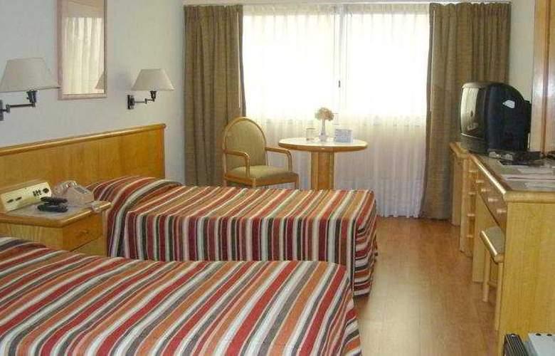 Lafayette - Room - 5