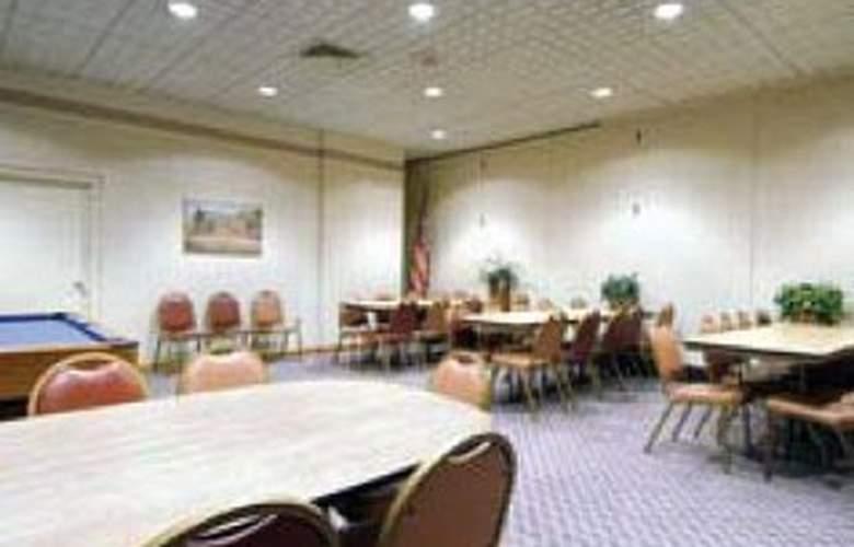 Howard Johnson Inn - Conference - 5