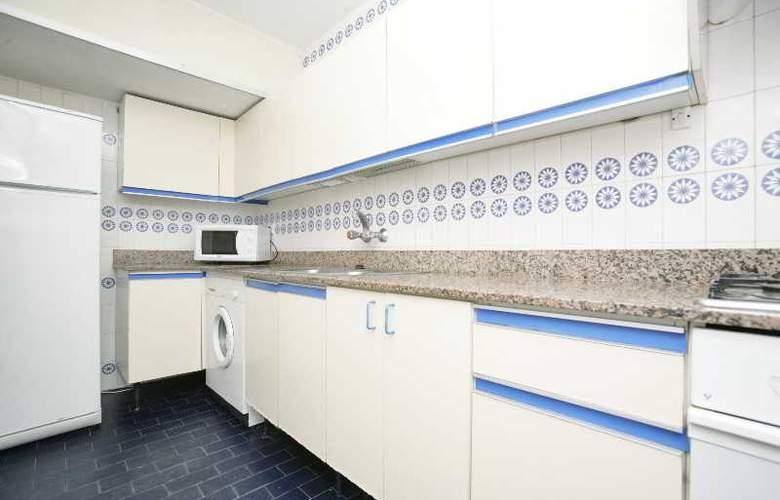 Apartamentos Marina - Room - 5