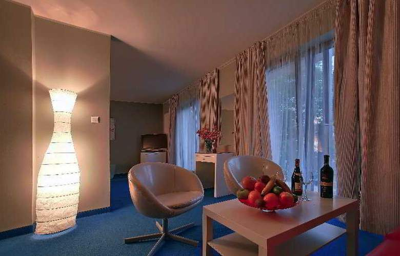 Villa Sentoza - Room - 2