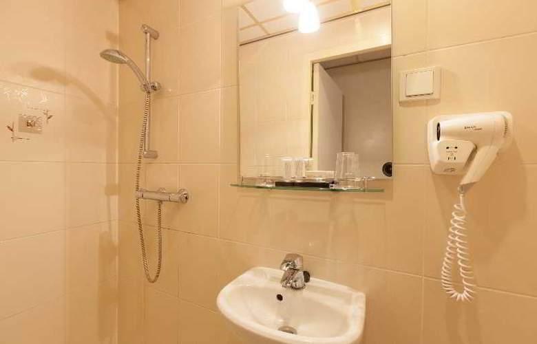 ITC Hotel - Room - 28