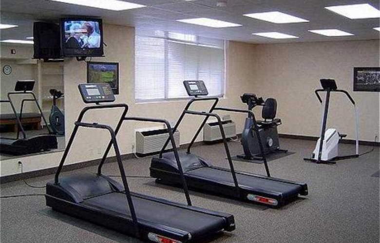 Radisson Hotel Dallas East - Sport - 8