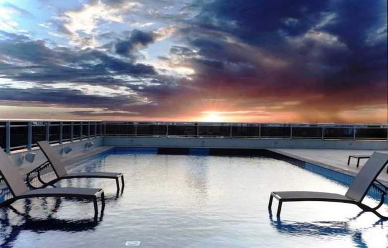 Quality Hotel Manaus - Pool - 14