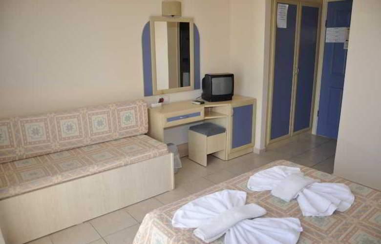 Montebello Beach Hotel - Room - 4