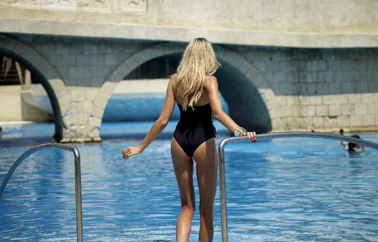Esperos Palace - Pool - 3