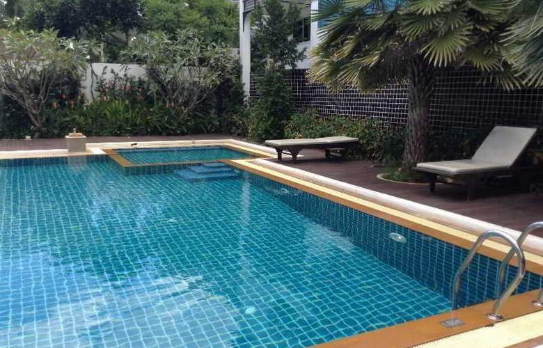 Dee Andaman Hotel Pool Bar - Pool - 3