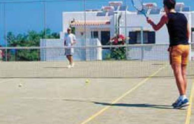 Chrissi Amoudia - Sport - 8