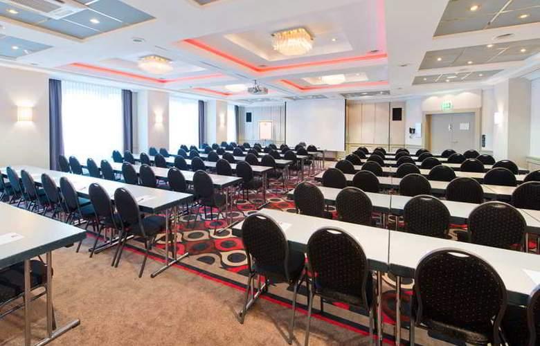 Leonardo Hannover Airport  - Conference - 22