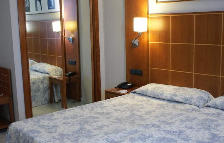 Exe Ciudad de Córdoba - Room - 5