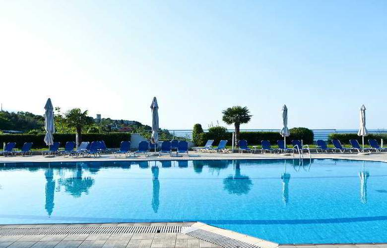 Olympus Thea - Pool - 11