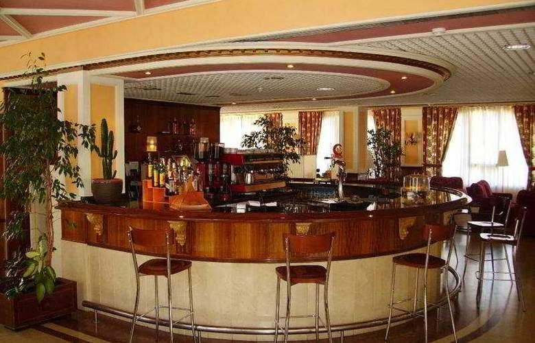Urban Sondika - Bar - 2
