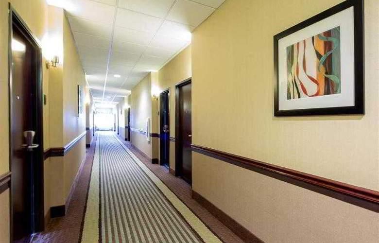 Best Western Plus Eastgate Inn & Suites - Hotel - 26
