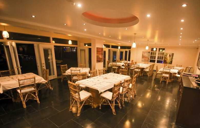 Safira River Front Resort - Restaurant - 3