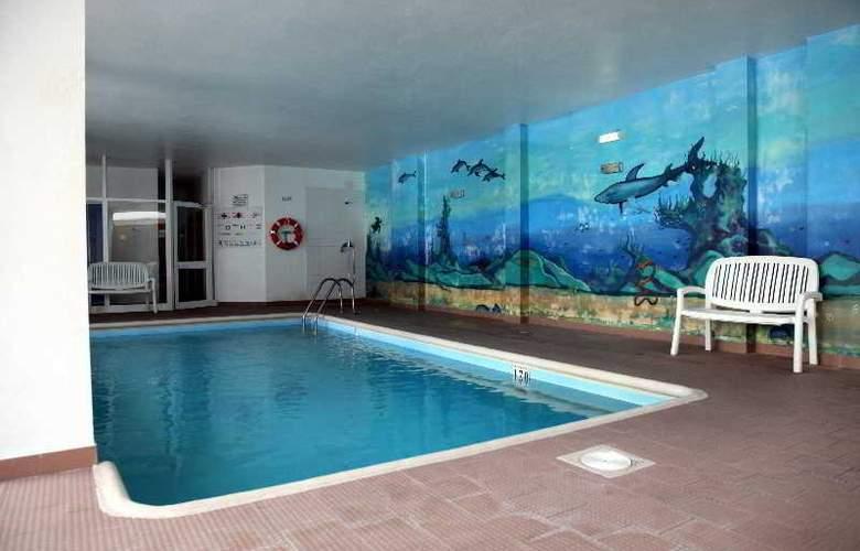 Calema - Pool - 12