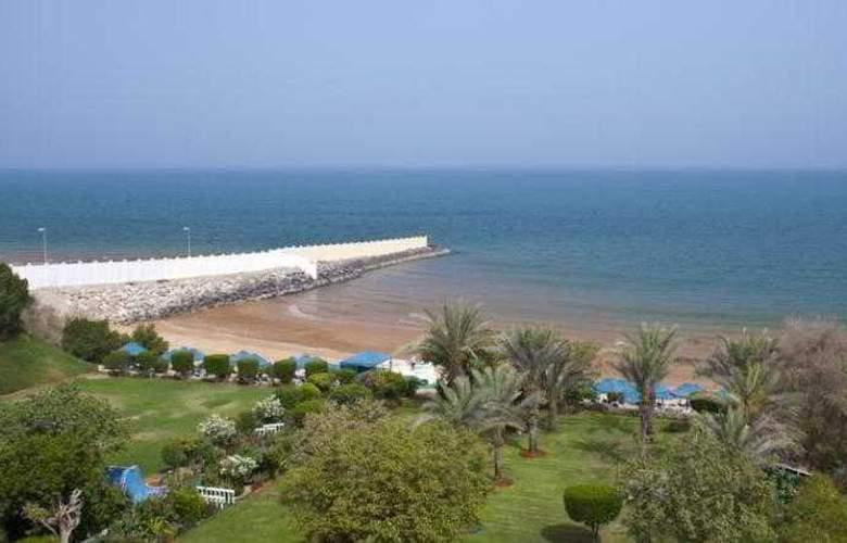 Bin Majid Beach Hotel - Beach - 12