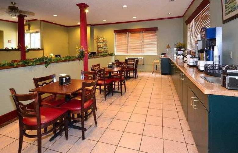 Best Western Teal Lake Inn - Hotel - 1
