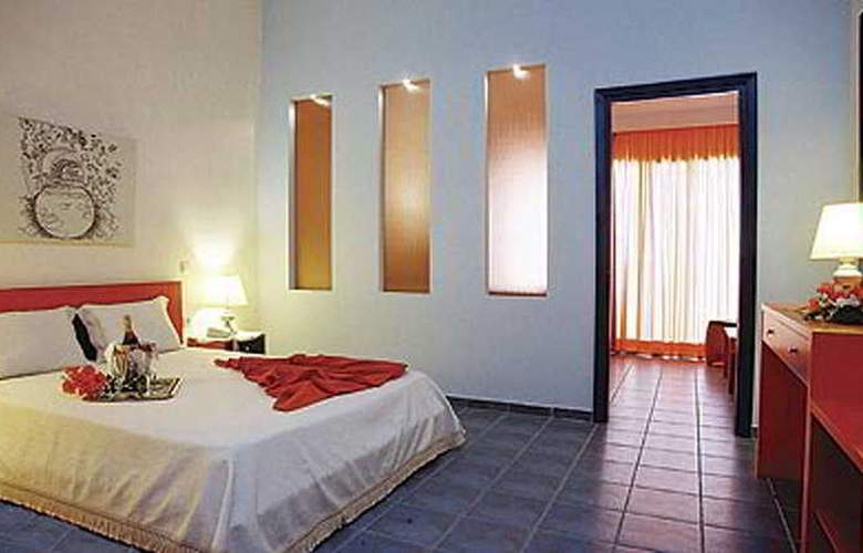 Athena Pallas Village - Room - 2