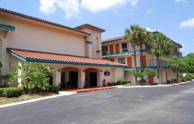 Howard Johnson Inn and Suites - General - 2