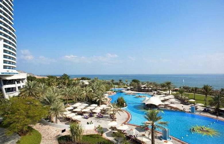 Le Meridien Al Aqah Beach Resort - Hotel - 12