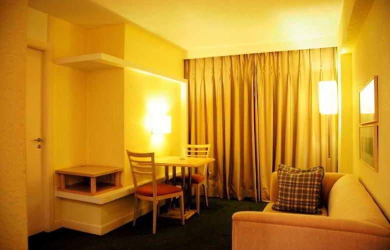 Ambassador Residence Hotel - Room - 8