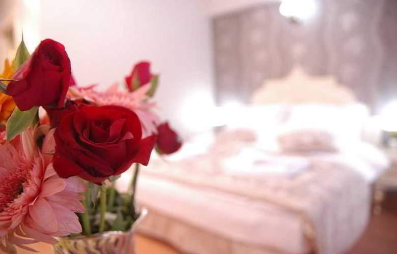 Saba Sultan - Room - 11