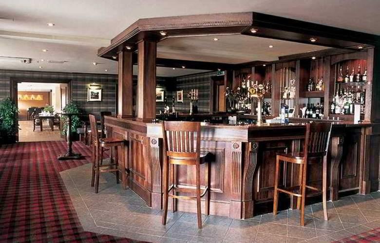 Caledonian Hotel - Bar - 4