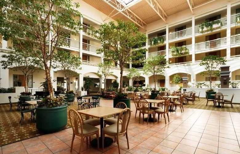 Embassy Suites - Restaurant - 13
