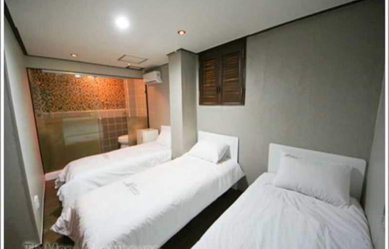 Maru Guesthouse Myeongdong - Room - 11
