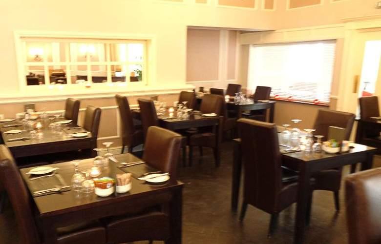 Smart Aston Court Hotel - Restaurant - 18