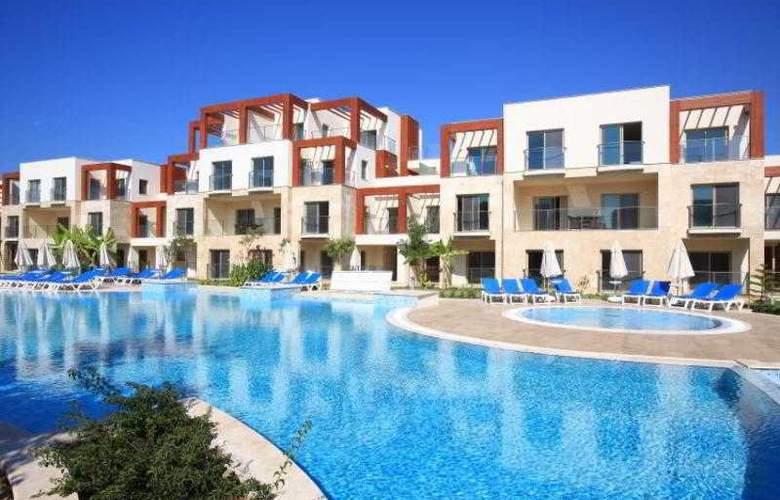 Sundance Suites Hotel - Pool - 17