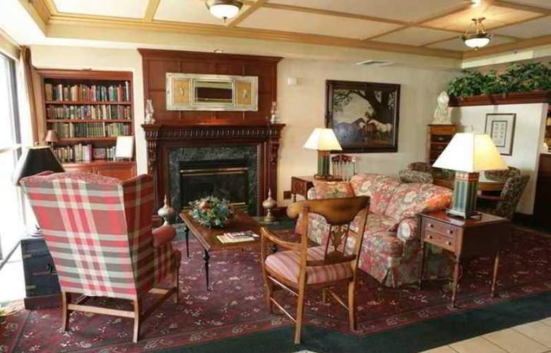 Hampton Inn Burlington/Mt. Holly - Hotel - 1